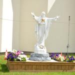 Sacré Cœur devant l'église