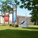Miniature de l'ancienne église de Cocagne et cloches