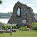 Grotte derrière l'Église
